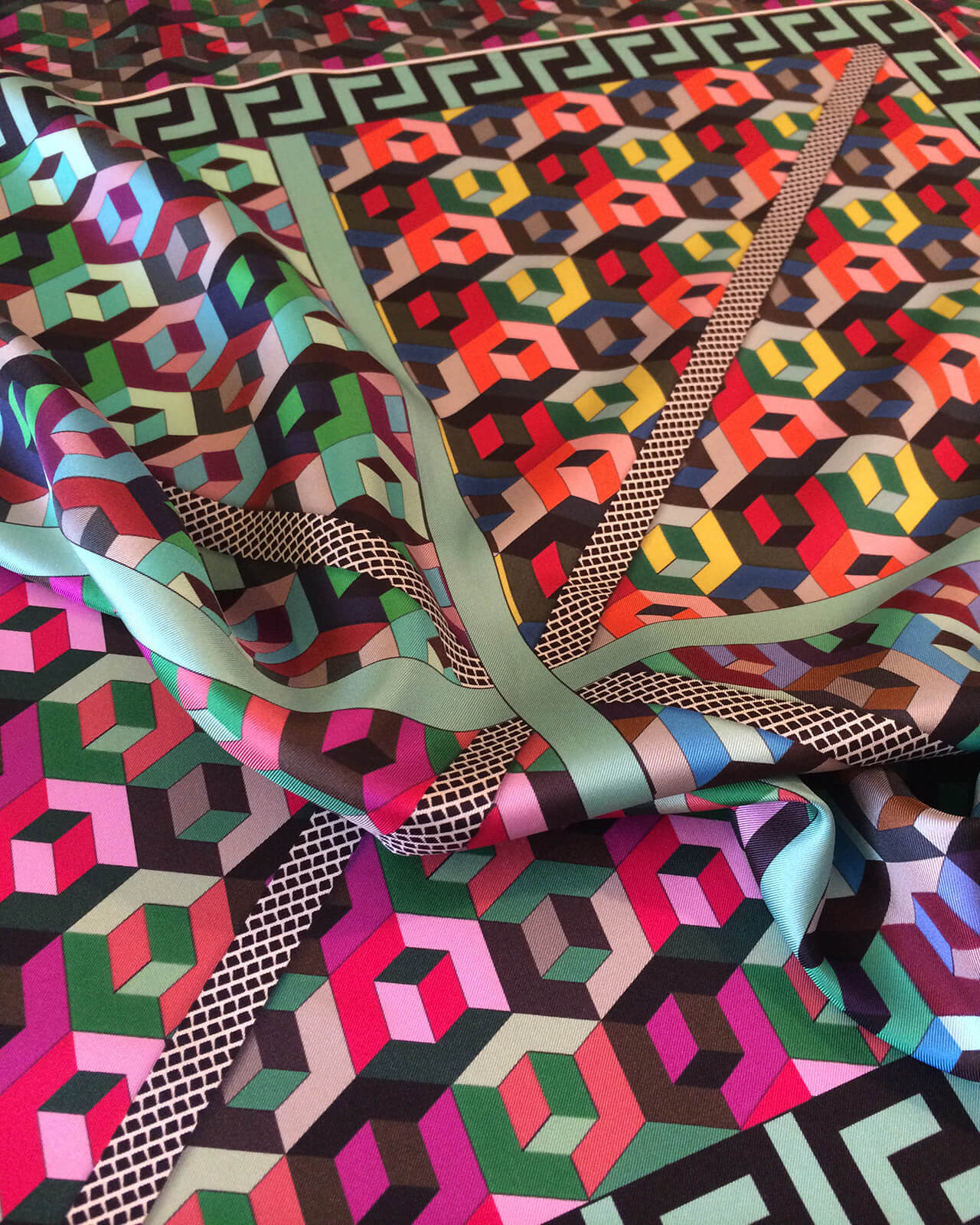 Textile accessories rama scarves collection for Vendita on line arredamento design